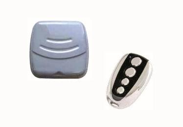 Système de contrôle d'accès par badge et porte de garage