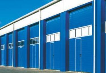 Porte de garage Bas Rhin sectionnelle avec portillon industrielle
