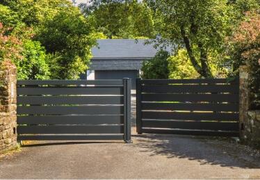 Portail ajouré aluminium Alsace