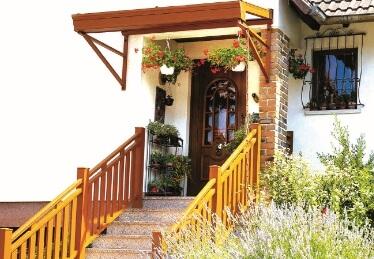 Balustrade d'escalier en bois et en aluminium en Alsace